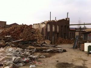 Die Abbrucharbeiten in Möding sind bereits in vollem Gange.